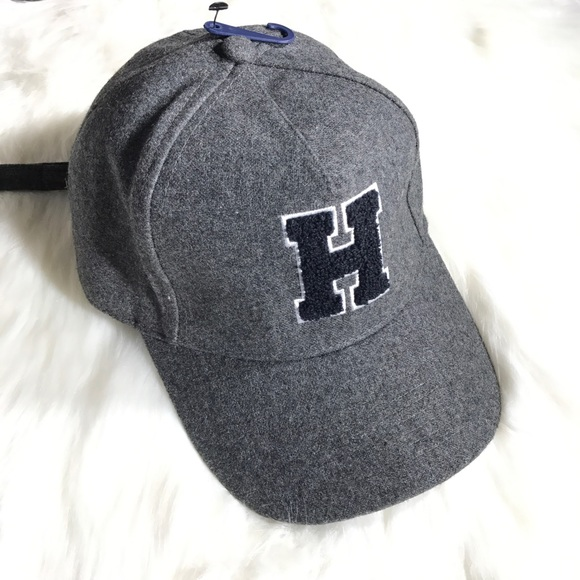 TOMMY HILFIGER H PATCH GRAY FLANNEL CAP NWOT 3911dc372bfb